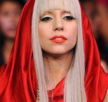 Lady Gaga paga una fortuna por vestido de Alexander Mcqueen