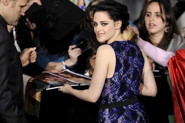"""Kristen Stewart de """"Crepúsculo"""" nuevo rostro de la fragancia de Balenciaga"""