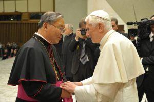Vaticano cesa  a obispo eslovaco