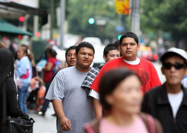 """Hispanos en EEUU se definen como """"independientes"""" en política"""