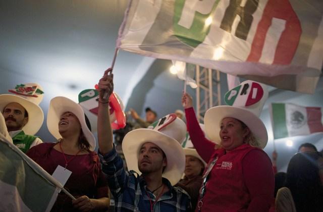 Peña Nieto habla de eficacia y AMLO de impugnación