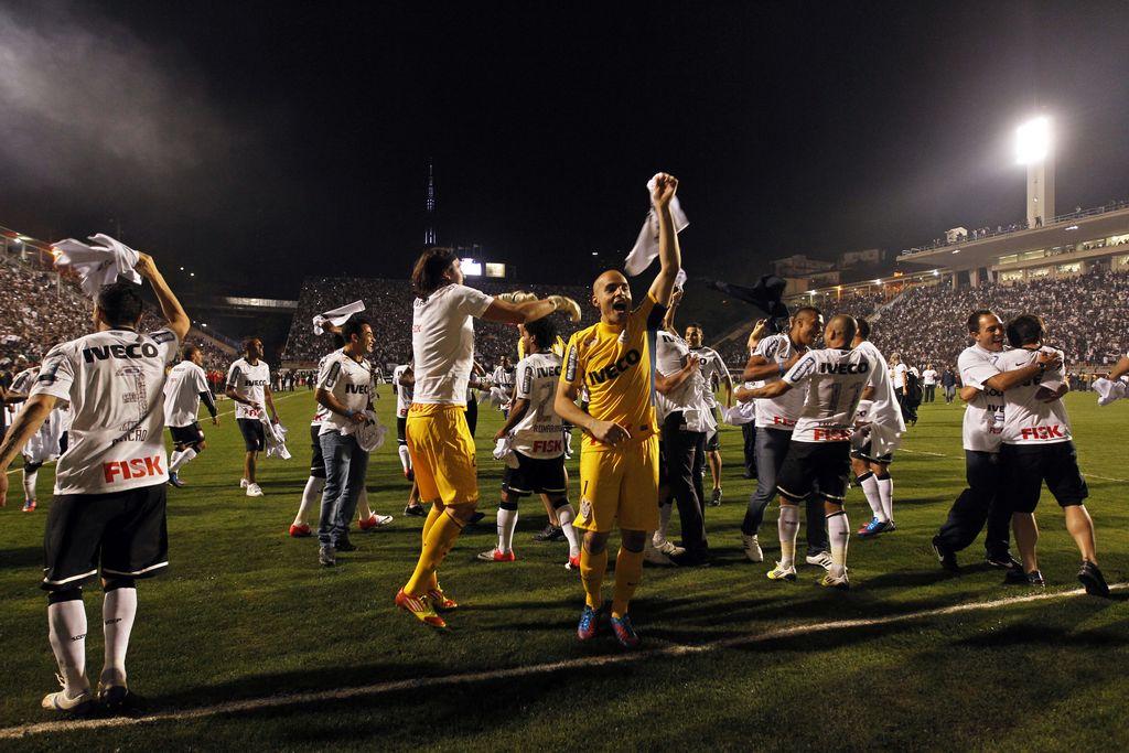 Corinthians gana su primera Libertadores ante Boca
