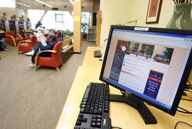Miles  podrían quedar sin servicio de Internet