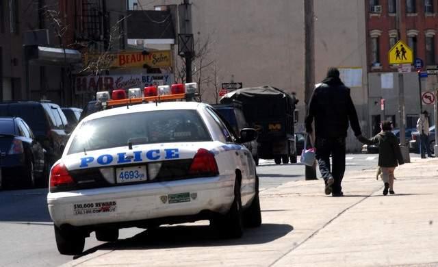 Tres policías de Florida acusados por abuso contra latinos