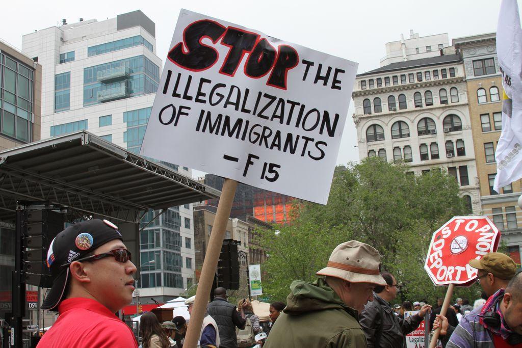 Georgia exige aprobar su ley antinmigrante