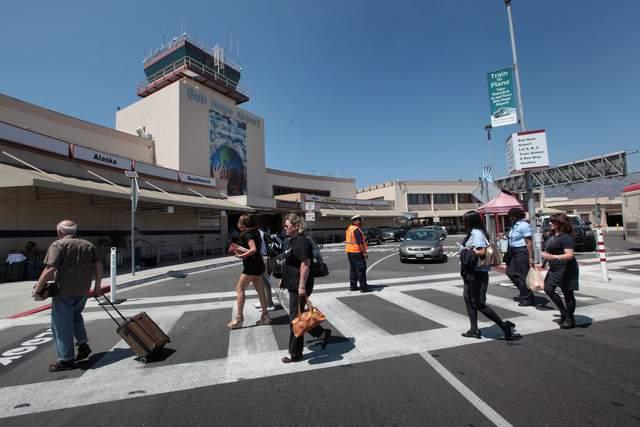 Aviones, trenes y autobuses al Aeropuerto Bob Hope