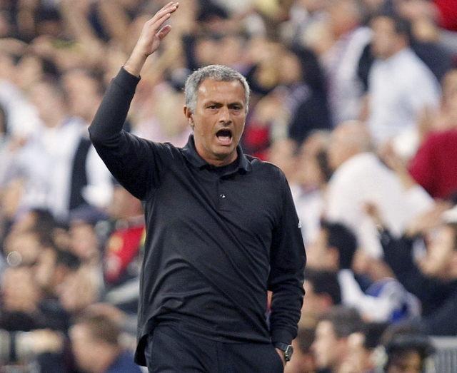 Mourinho pelea con seguidora del Barsa