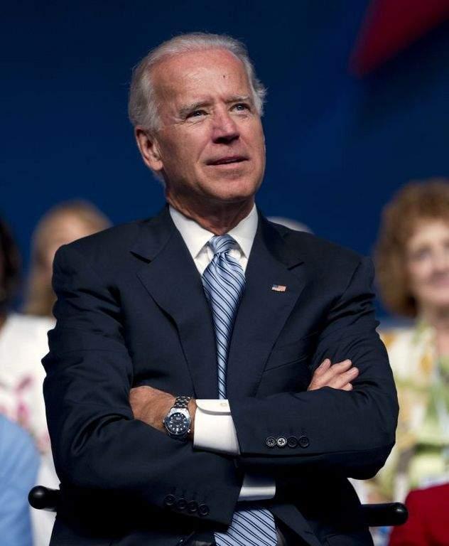 Biden critica a Romney por no mostrar sus declaraciones fiscales