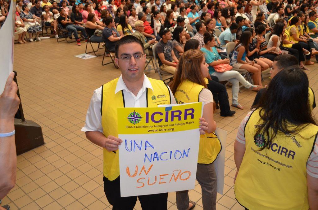 Concurrida participación en los talleres organizados por la Coalición de Illinois pro Derechos de Inmigrantes y Refugiados el sábado en la secundaria Benito Juárez.