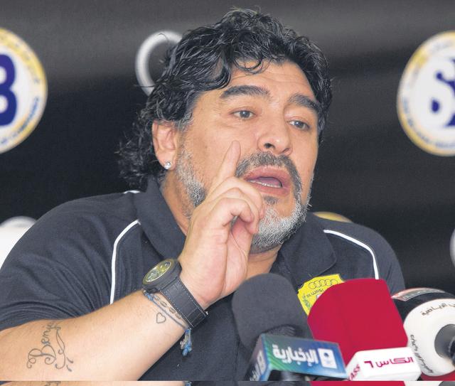 Diego Armando Maradona el polémico exentrenador argentino del Al Wasl Football Club.