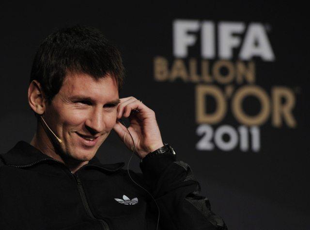 Messi quiere el 'Balón de Oro' para Xavi o Iniesta (video)