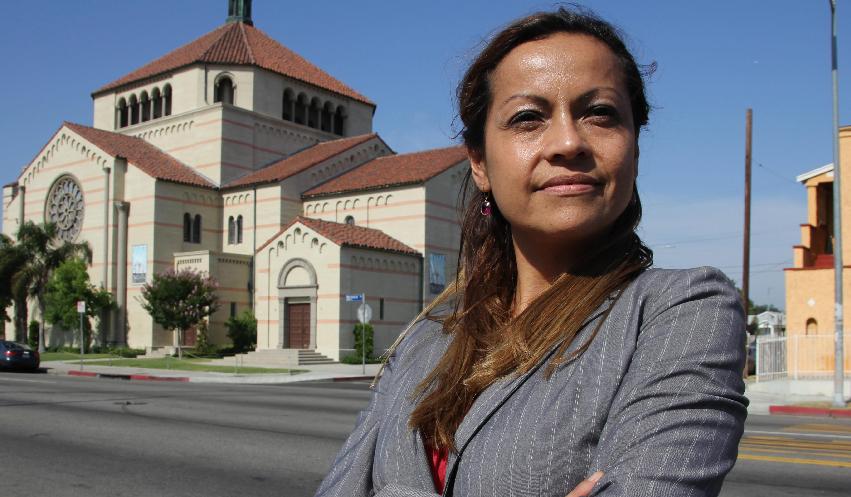 Salvadoreños aspiran por primera vez al Concejo de Los Ángeles