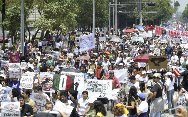 """Protestan contra la """"imposición"""" de Enrique Peña Nieto como ganador de los comicios presidenciales en México."""