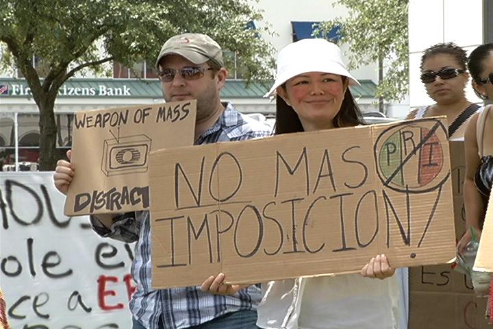 En Houston se manifestaron contra el resultado electoral en México.