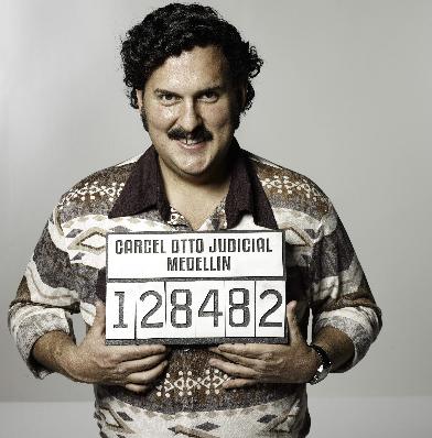 La serie narra el origen humilde de Escobar, sus inicios como delincuente y su llegada a la cima del narcotráfico hasta convertirse en uno de los hombres más poderosos y buscados en la historia del cartel. En la foto, Parra.