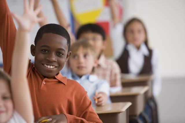Niños pobres presentan menos destreza escolar