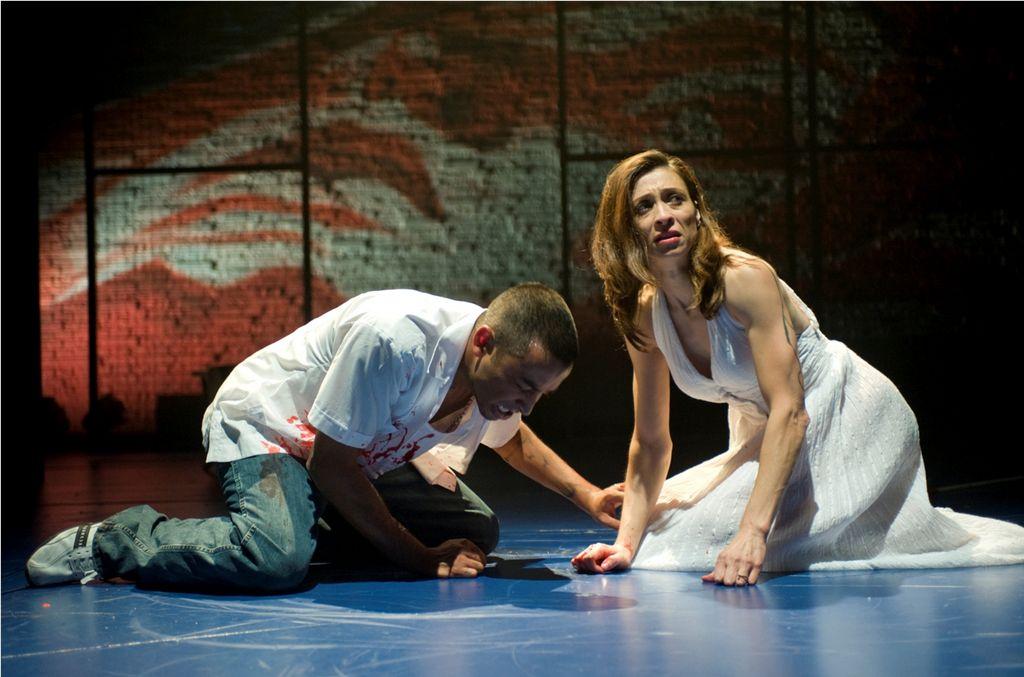 'Oedipus El Rey' es una obra de teatro sobre un pandillero que se enamora de su mamá.