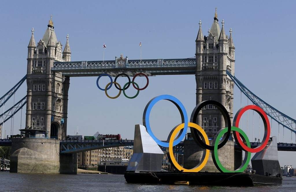 Big Ben resuena por los Juegos Olímpicos (videos y fotos)