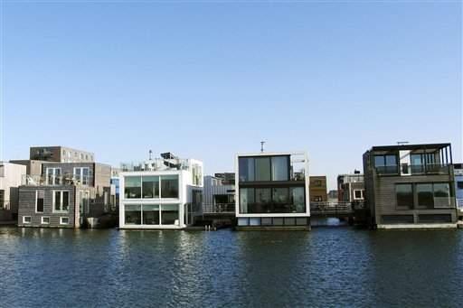 Casas flotantes, la solución a las aguas crecidas
