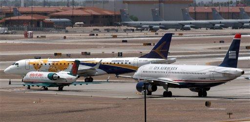 """Investigan """"casi-choque"""" de 3 aviones en Washington"""