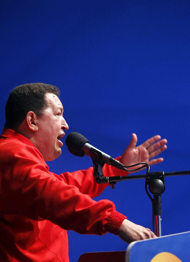 'Reelección es para   que Revolución siga'      Chávez dice que busca la reelección para que su revolución sea irreversible