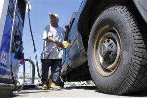Precios de la gasolina están por las nubes en Illinois