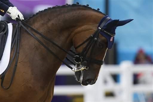 Ann Romney está contenta con Rafalca, su yegua olímpica (fotos)