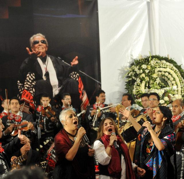 Dan adiós final a Chavela Vargas