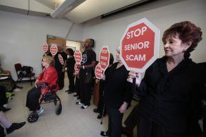 Advierten de las estafas a los ancianos