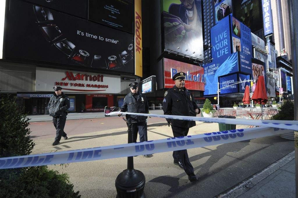Hombre abatido por NYPD en Times Square tenía récord criminal (Video)