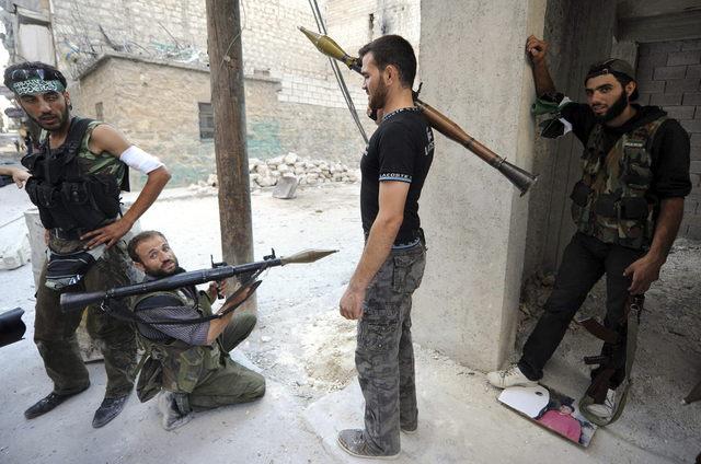 Mueren otros cien   en SiriaMueren unas cien personas en nueva jornada de campaña contra rebeldes sirios