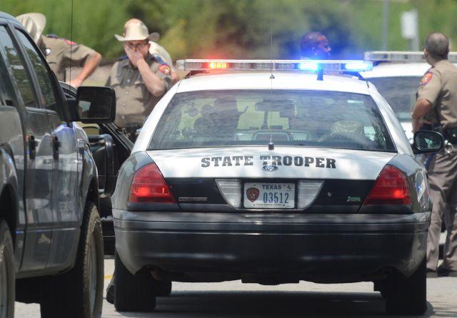 Fallece pistolero que mató a dos e hirió a varios en Texas