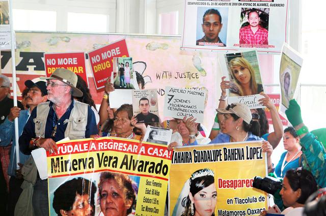 'Hollywood' se une a Caravana por la Paz encabezada por Sicilia