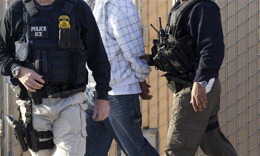 Detienen a 15 inmigrantes ilegales en playa de San Diego