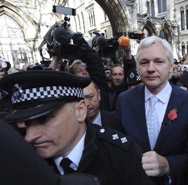Presidente de Ecuador desmiente rumor de asilo al fundador de WikiLeaks