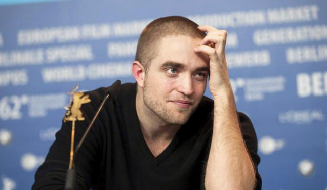 Robert Pattinson calla sobre su vida privada
