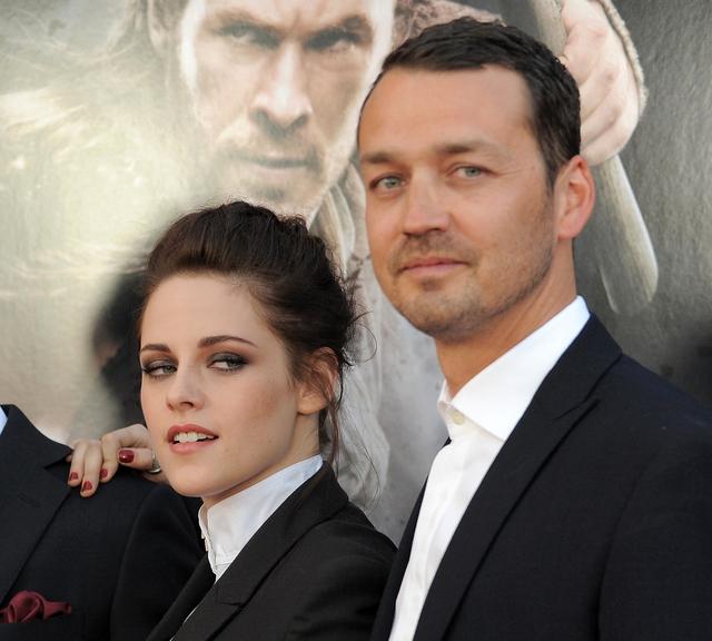 Kristen Stewart podría salir de saga de Blanca Nieves