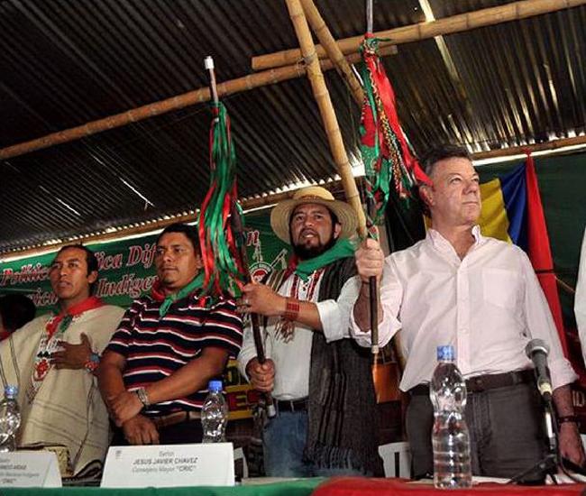 Santos pide perdón a indígenas colombianos