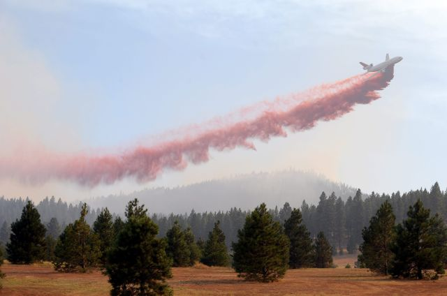 Sequía y calor avivan incendios en oeste de EEUU