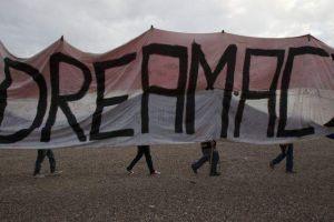 """Casa Blanca pide al Congreso aprobar el """"Dream Act"""""""