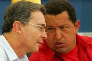 Uribe tilda a Chávez de que es un  cobarde