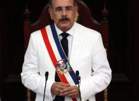 Medina asume la presidencia de la República Dominicana