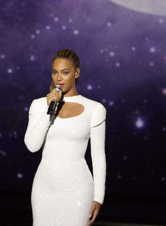 Michelle Obama ayuda a Beyonce en campaña humanitaria
