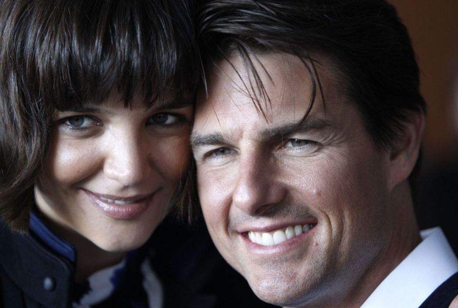 Cruise y Holmes, oficialmente divorciados (fotos)