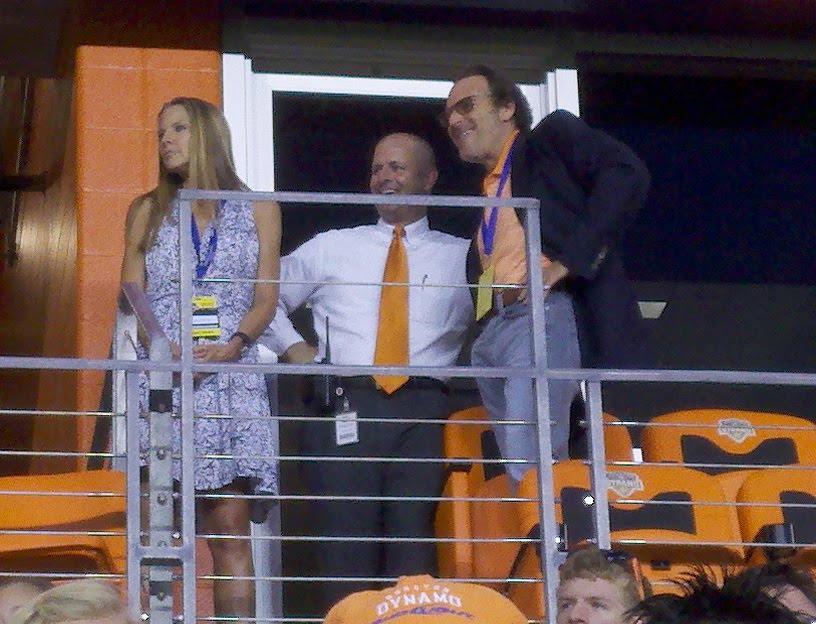 Gabriel Brener (derecha), uno de los dueños del  Dynamo.