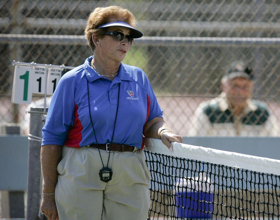 Árbitro del US Open acusada de asesinato está camino a LA
