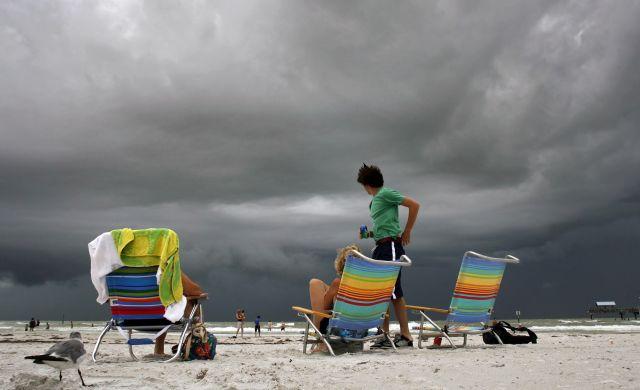 """Tormenta """"Isaac"""" baña a Puerto Rico en ruta a R. Dominicana"""