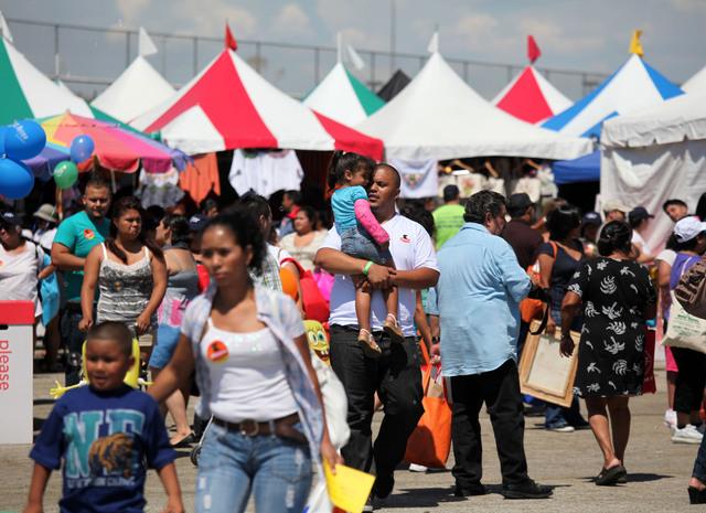 Los centroamericanos celebran  Feria Chapina
