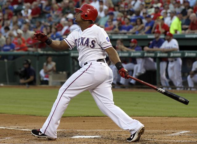 Adrián Beltré dispara cuadrangular solitario en el segundo inning.