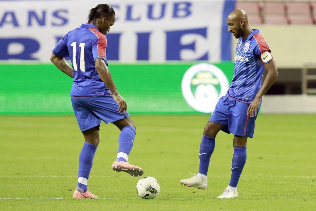 Drogba y Anelka podrían dejar el fútbol chino